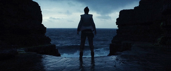 The first official teaser trailer for Star Wars: The Last Jedi is here!